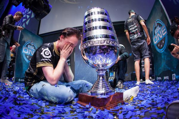Fnatic with ESL cup