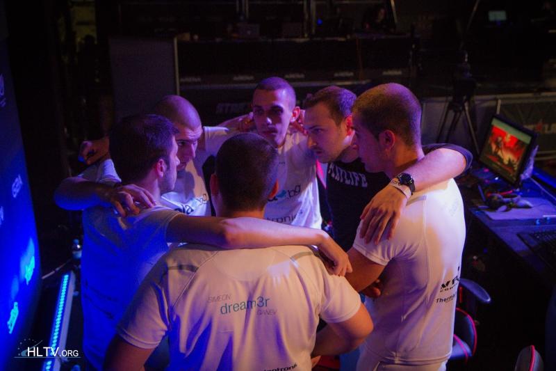 GPlay расстаются с командой по cs:go
